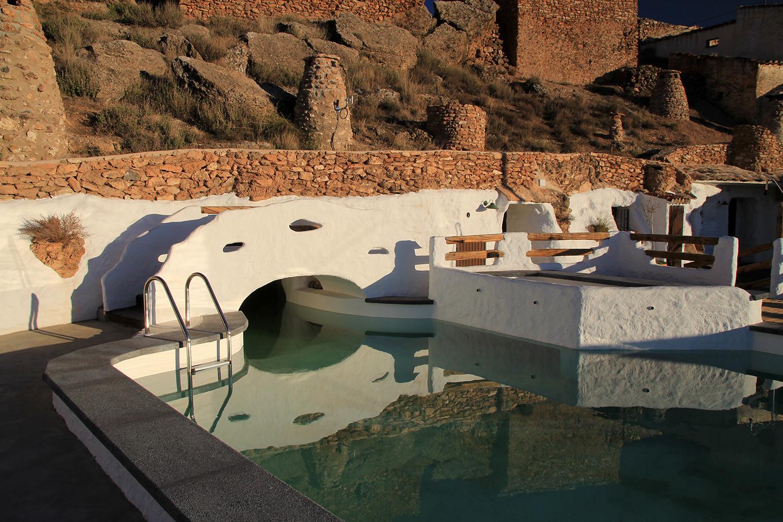 A (Cave) Swimmingpool