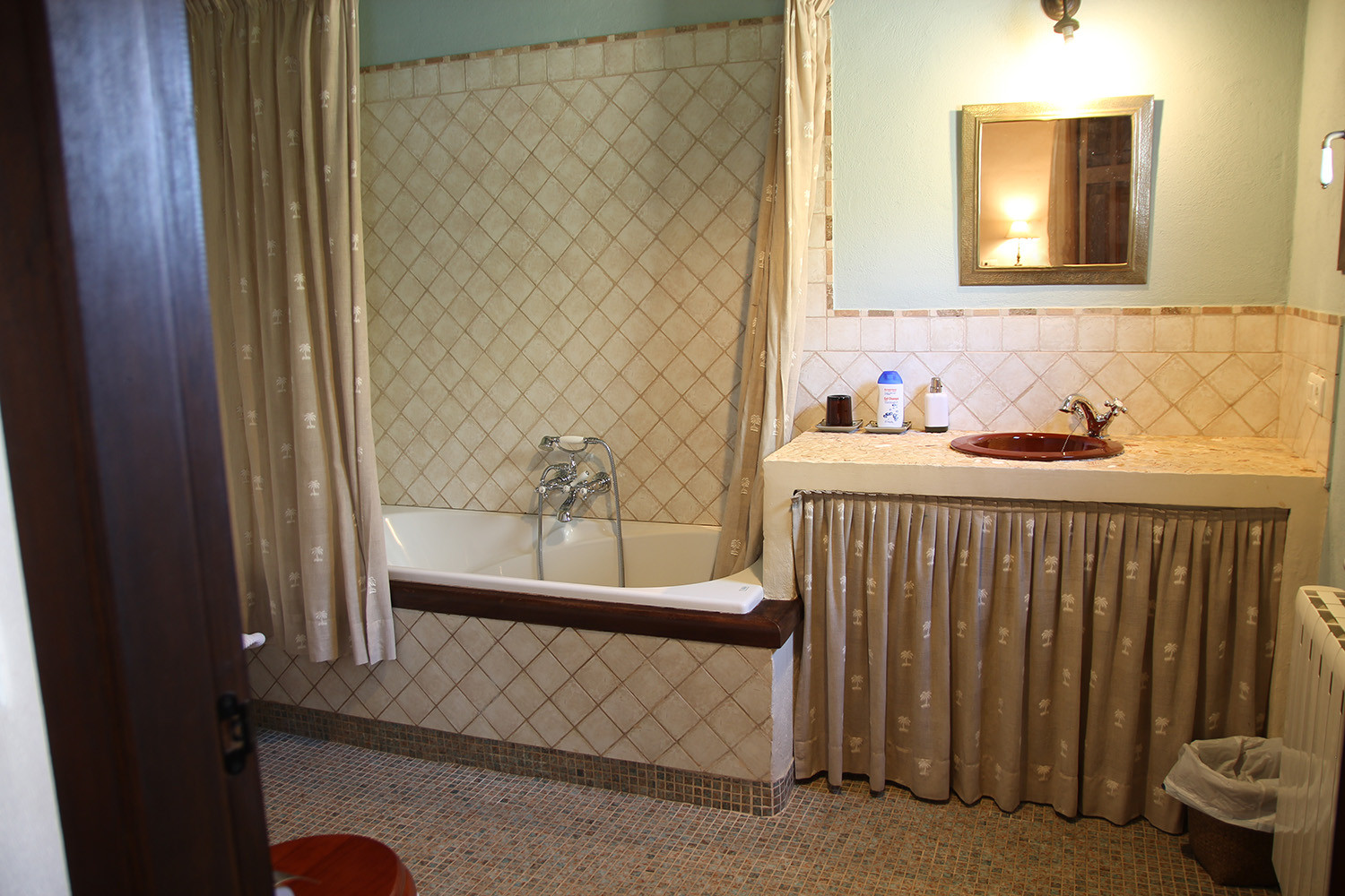 The bathroom of the Junior Suite