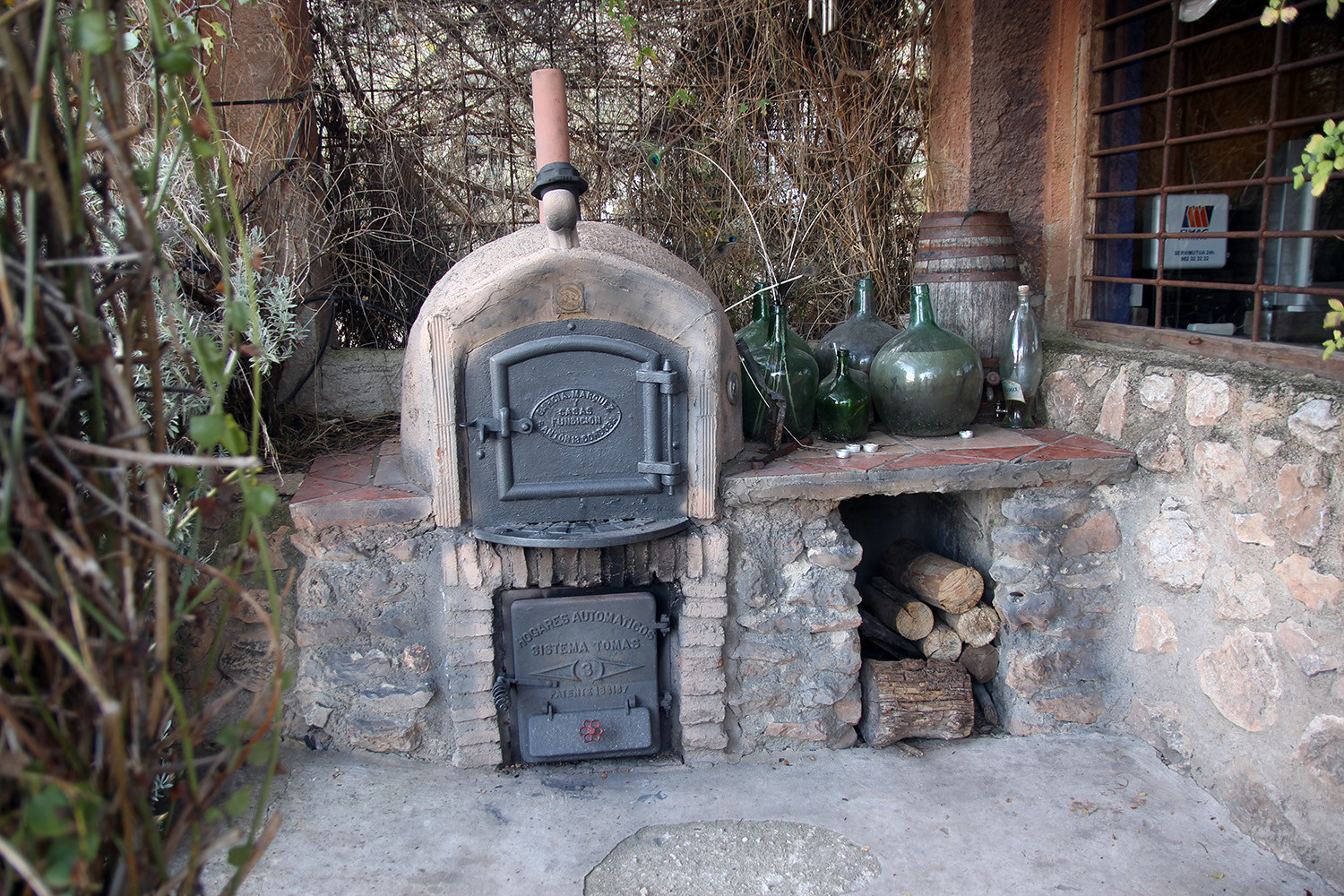 The outdoor stove