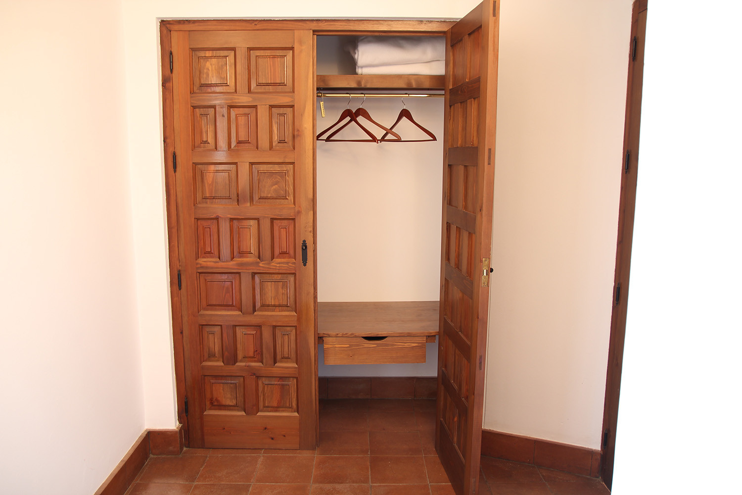 The wardrobe in the portal