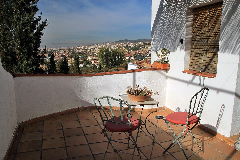 The terrace of bedroom 5