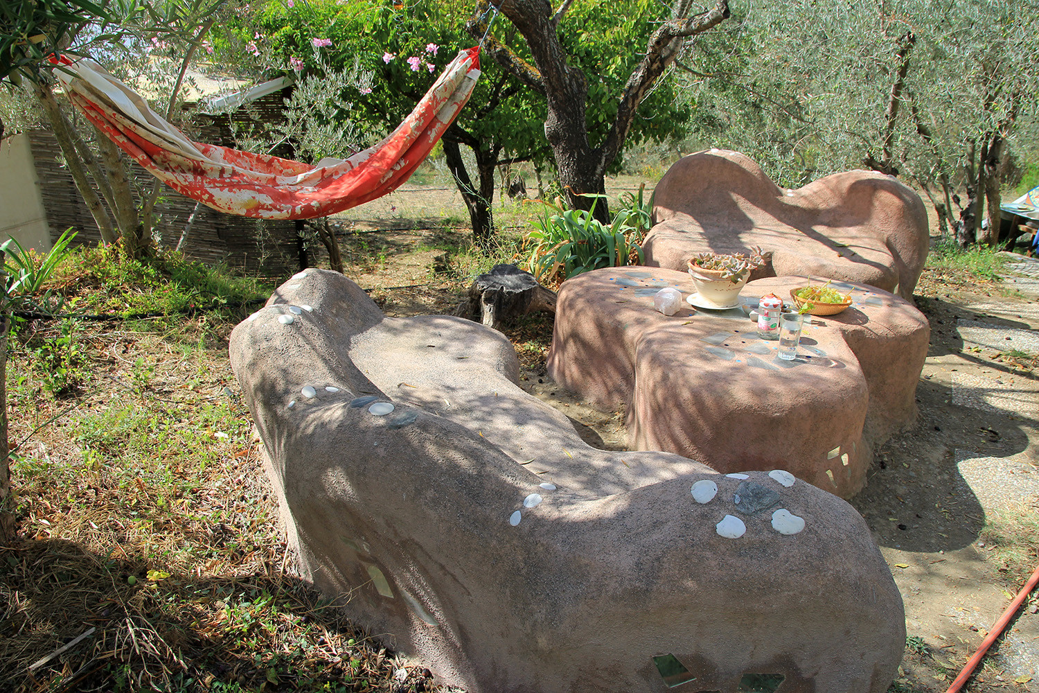 The Flintstone table and bench