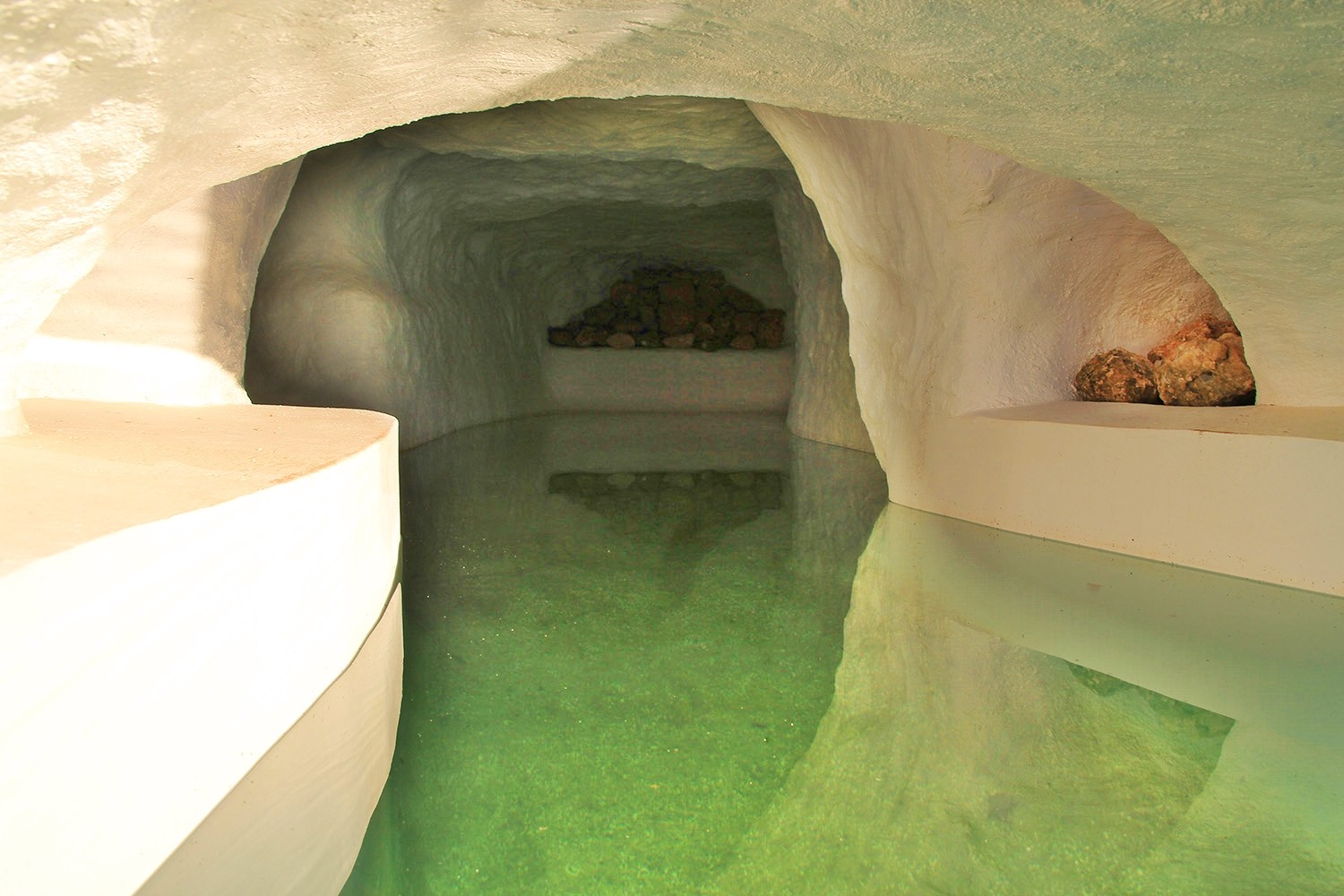 The cave of the swimming pool