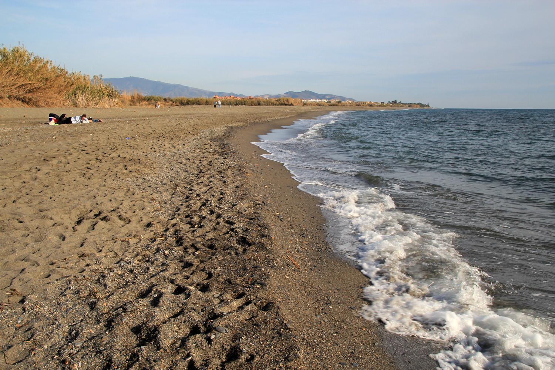 Playa Punto del Rio Cagadilla - Salobreña