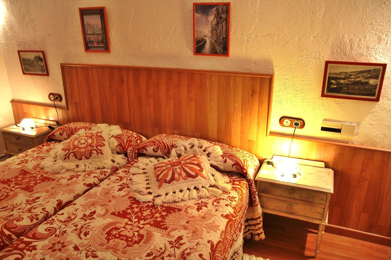 Bedroom 1 (groundfloor)