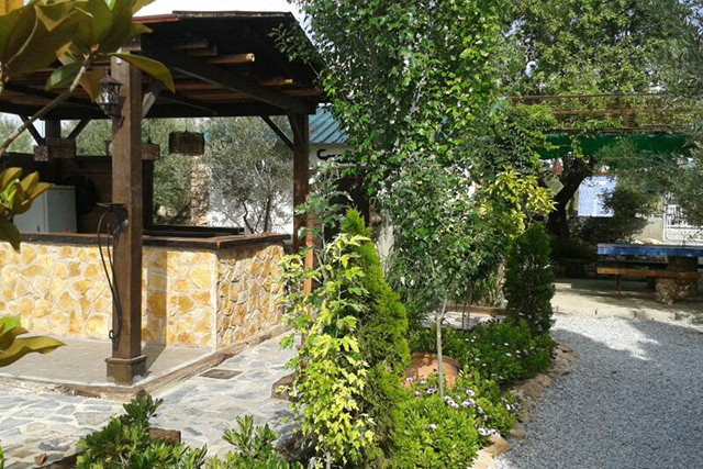 The bar in the garden