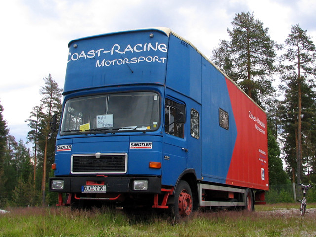 COAST RACING Team-Transporter