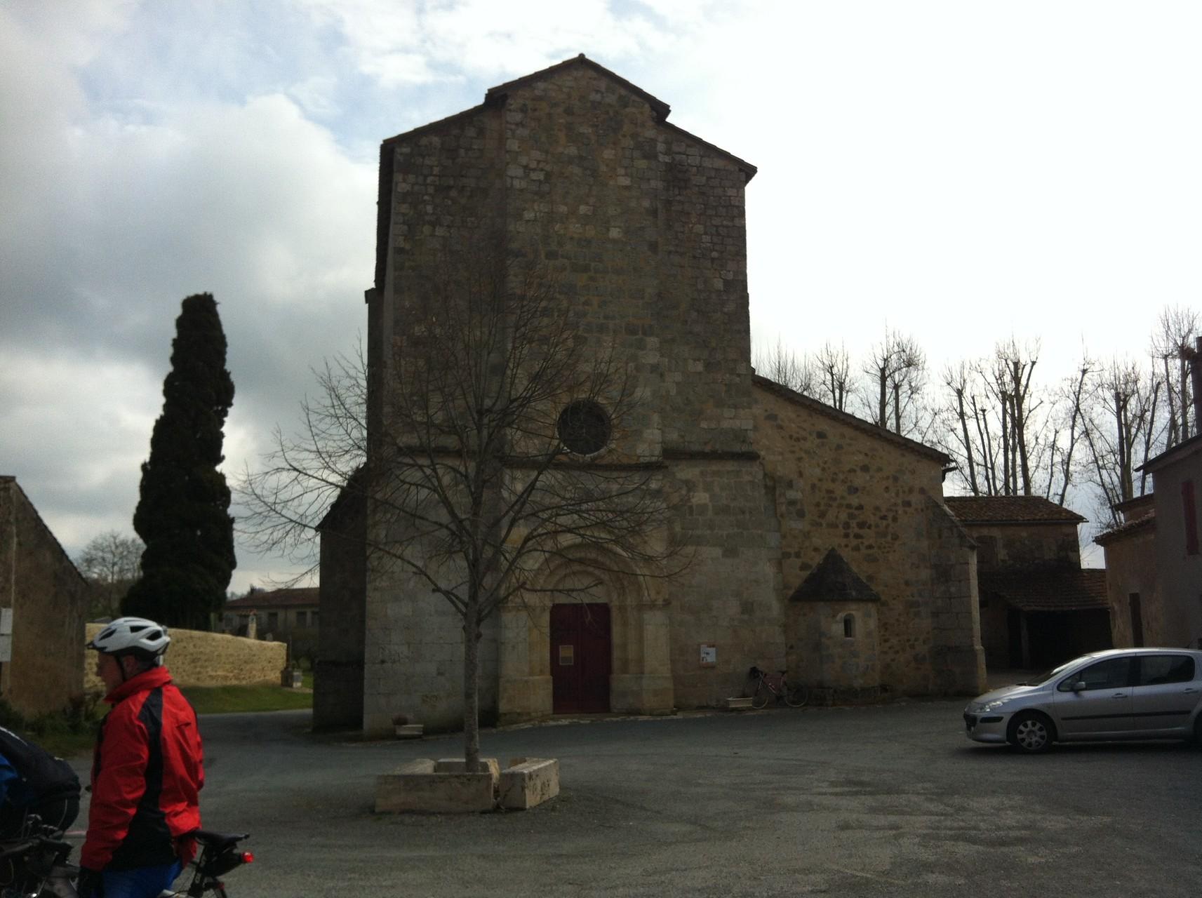 l'église fortifiée de Villeneuve de Mezin