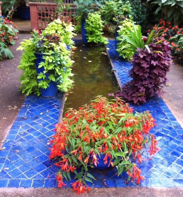 petit jardin aux couleurs Majorelle à Marrakech
