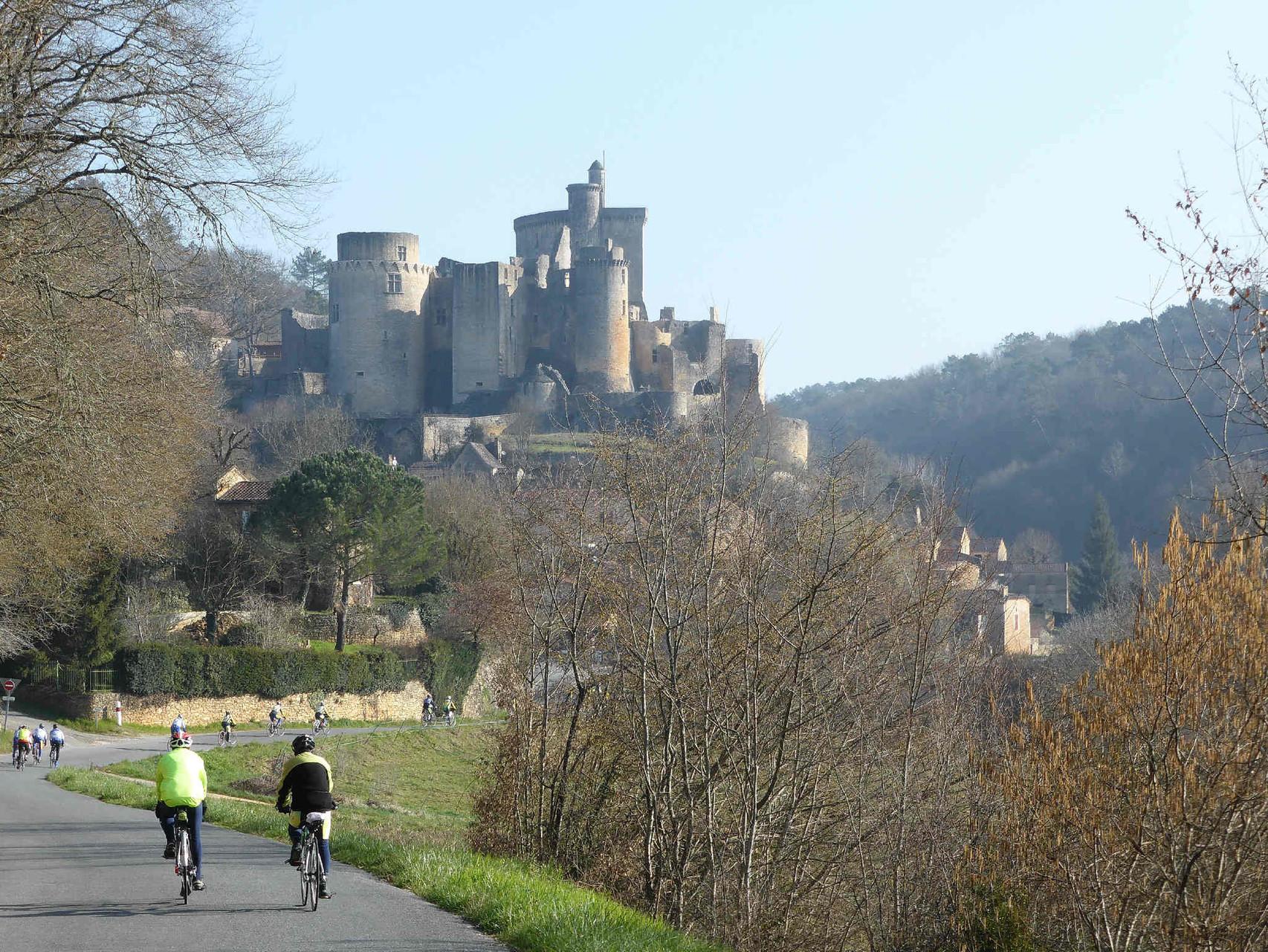 sous la protection du château de Bonaguil