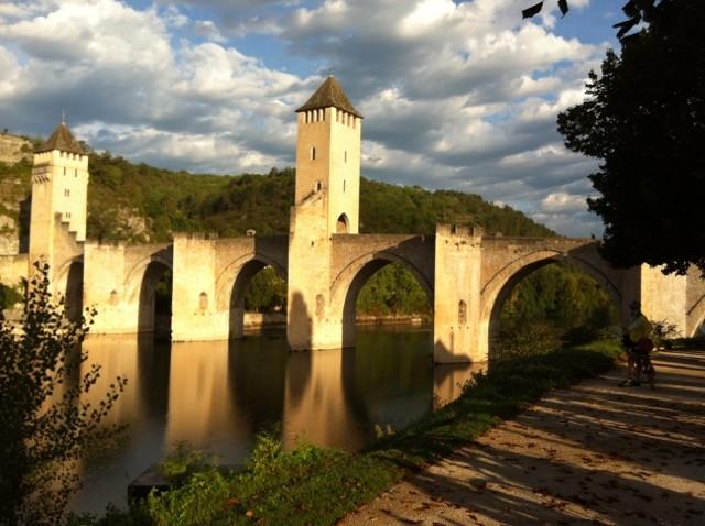 Dimanche matin, le Pont Valentré