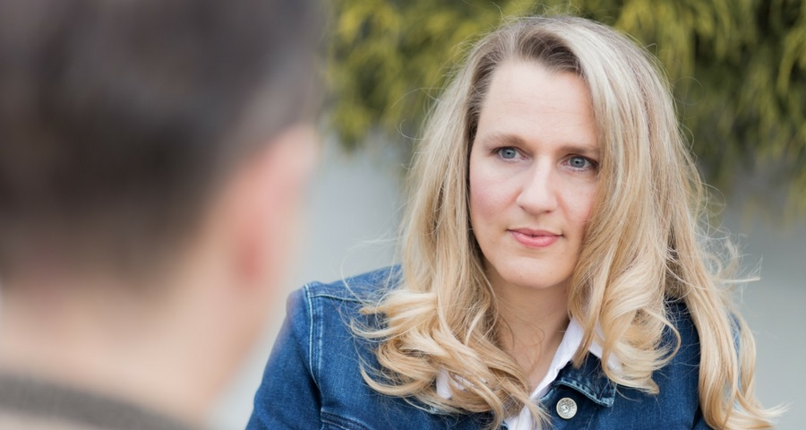 Personal Trainerin und Gesundheitscoach Sandra Mennel. Personal Trainerin für den Raum Haßfurt, Bamberg, Schweinfurt.