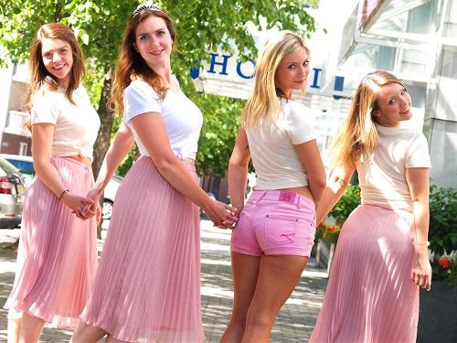 jga Fotoshooting Junggesellinnenabschied Ideen in Düsseldorf Schmuck Workshop perlenreicher Perlenladen