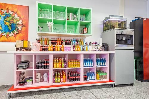 Junggesellinnenabschied Idee: Kreativer JGA Schmuck Workshop & lustiges Freunde Fotoshooting in Düsseldorf!
