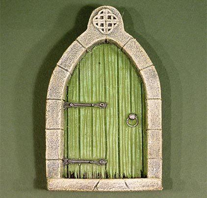 Celtic fairy door website of courtcurio for Fairy doors images