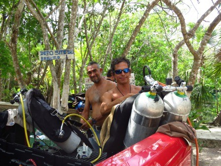 Cenotes Playa del Carmen with Albertos Scuba