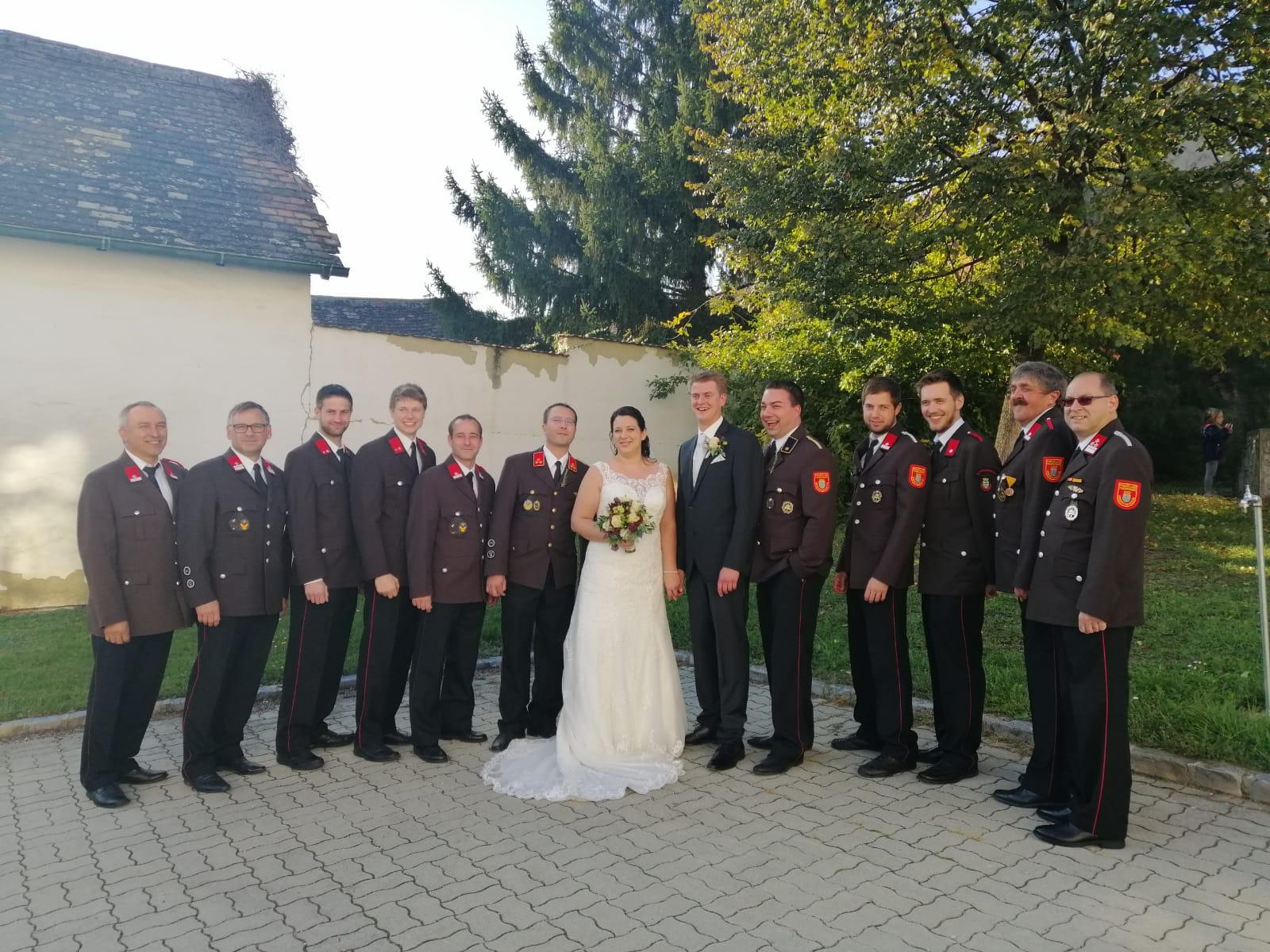 Ein Foto mit den Kameraden der Feuerwehr durfte natürlich auch nicht fehlen