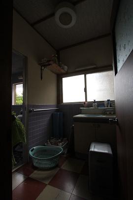 Before  「洗面脱衣室」