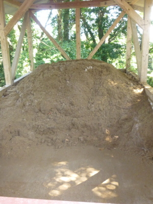 処理後の堆肥は近隣の農家の方に活用されています<BR>他にも様々な活用法を検討されています