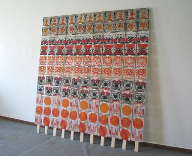 Pizza Play, Linol- und Stempeldruck auf Pizzapappe, 121-teilig, ca 186 x 186 cm