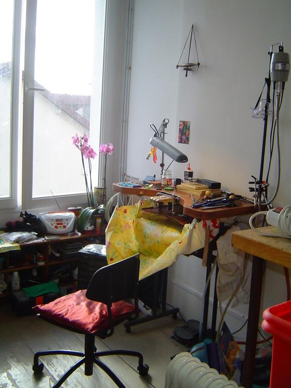 (Atelier de 2011 à 2014) L'établi de Mademoiselle De La Ronce
