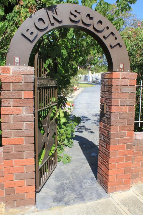 Zugang zum Friedhof in Perth