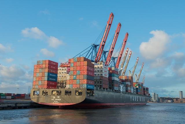 freaky finance, geschlossene Beteiligungen, Schifffonds, finanzielle Fehler, Containerschiff, Hafen, Hafenkräne
