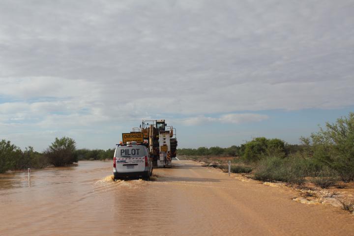 Die Karavane lässt sich auch von Hochwasser nicht aufhalten
