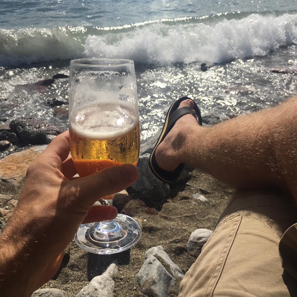 Bier und Meeresrauschen