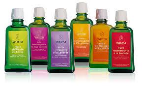 huile végétale, naturels, paraben, pétrole, parfum, pression à froid, maturité, feuilles, racine, conservateur, acides gras essentiels, vitamines, harmonie, raffinée, minérale