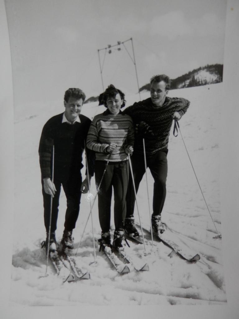 """Hans u. Annemarie Kronbichler, Johann Eder - am """"Schlepplift"""" m. 2 Bügel - Amberg"""