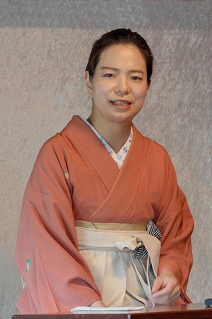 宝井琴柑さん  10月に五代目・宝井琴鶴を襲名