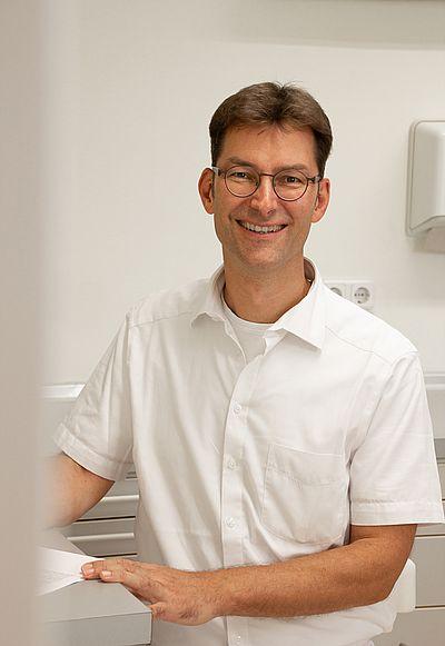 Ausführliche Beratung zur Parodontitisbehandlung