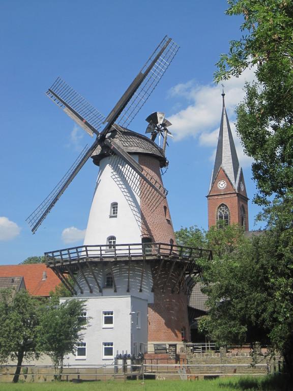 Klostermühle Lahde von 1876 - seltene kombinierte Wasser-Windmühle