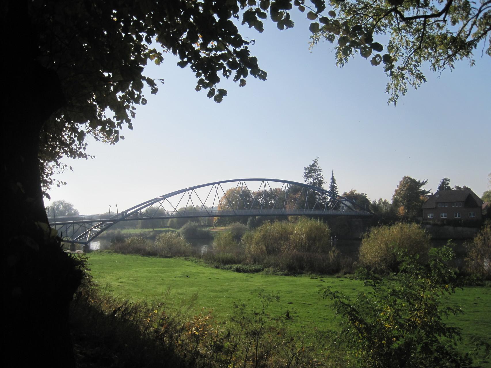 Wesertor-Brücke für Fußgänger und Fahrradfahrer