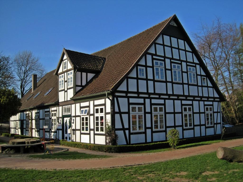 ehemaliger Pfarr-Bauernhof in Hille