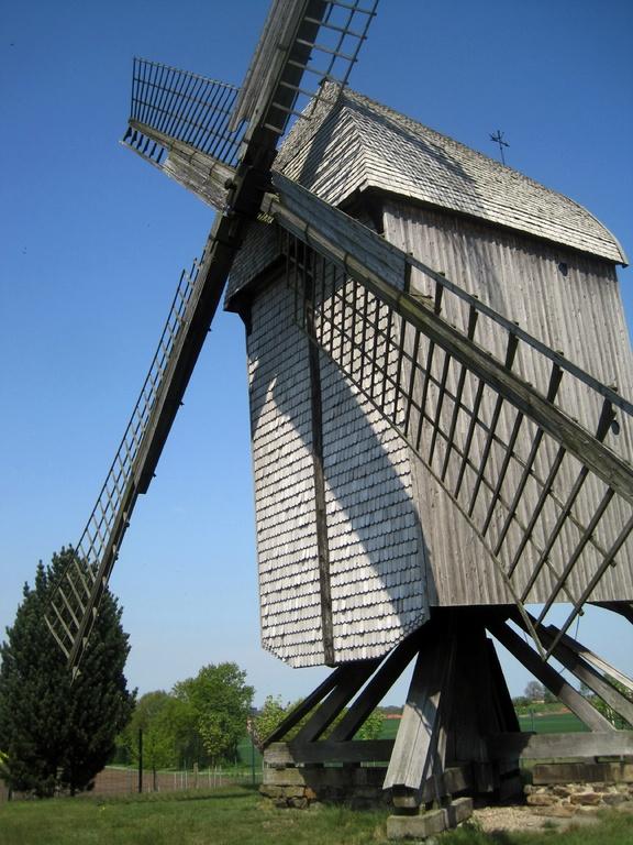Bockwindmühle von 1747 aus Warmsen - 1899 nach Neuenknick umgesetzt