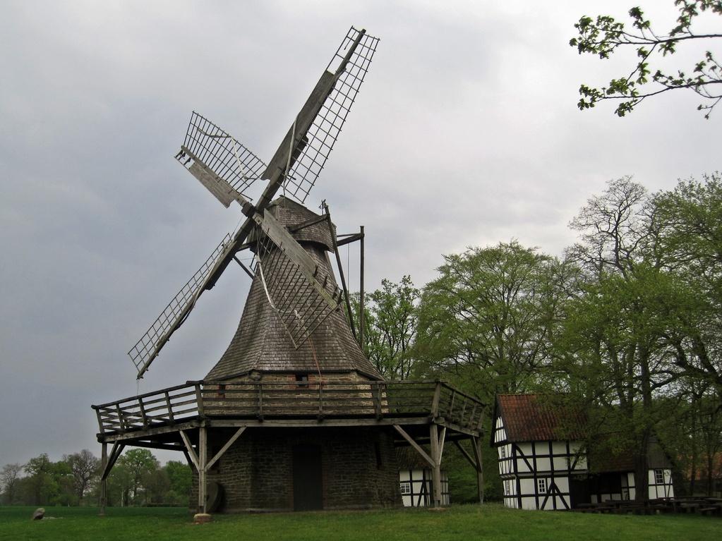 Kolthoffsche Hofmühle von 1922 in Levern - kleinste Windmühle im Kreis