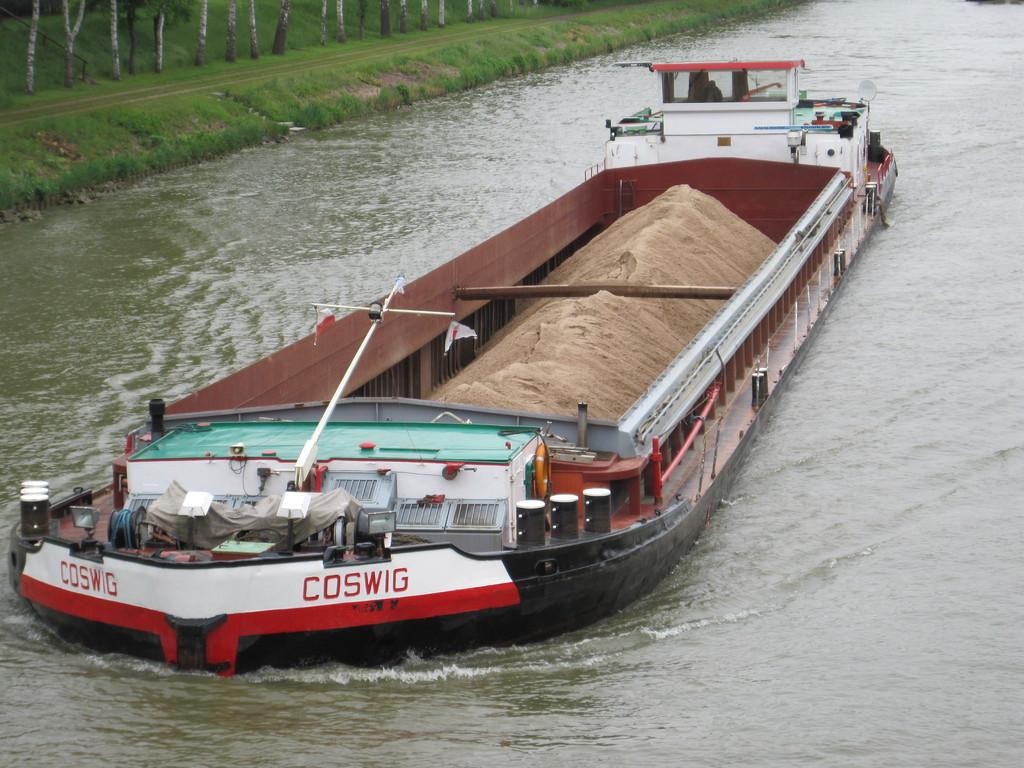 Binnenschiff auf dem Mittellandkanal