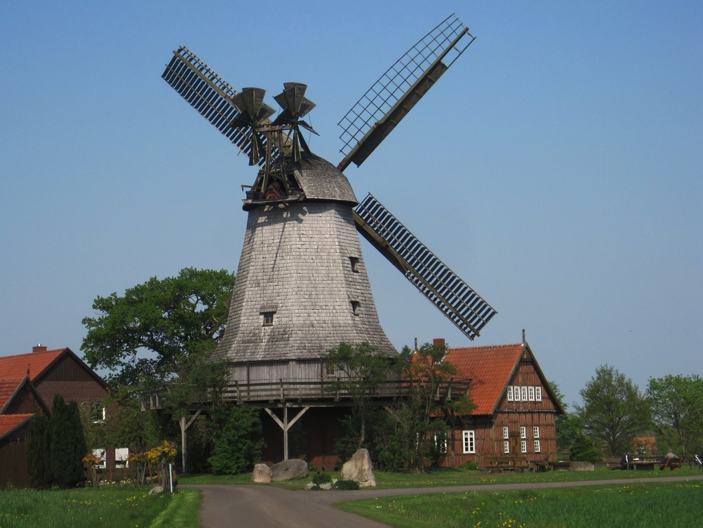 Windmühle Meßlingen mit doppelter Windrose