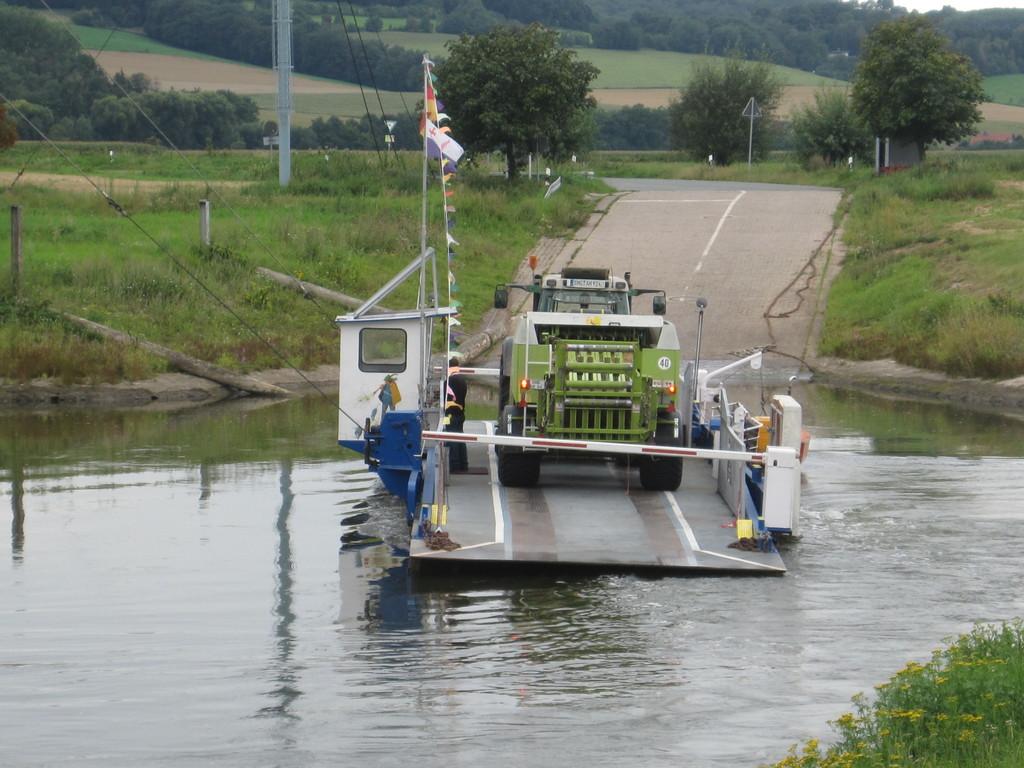 Gierseilfähre in Großenwieden über die Weser