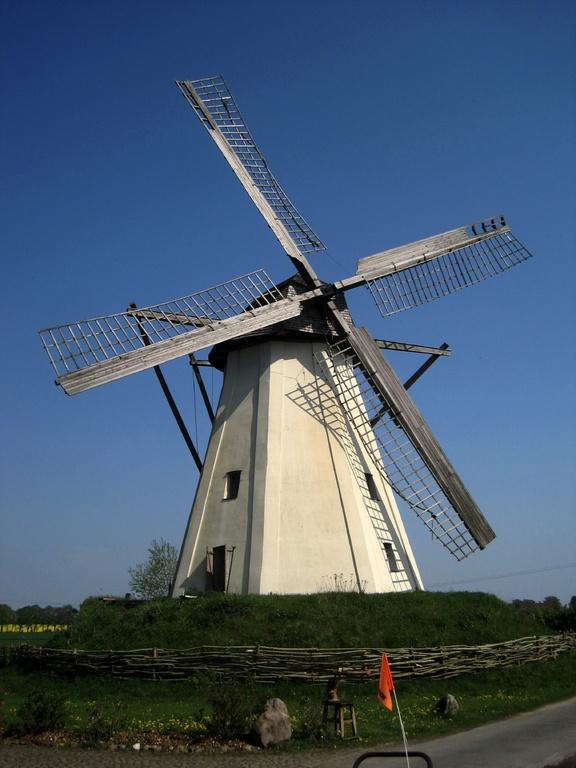 Windmühle Großenheerse - vollverputzter 8eckiger Mühlenturm von 1863
