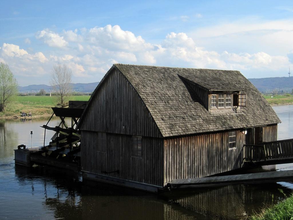 Rekonstruktion eine Schiffmühle aus dem 18. Jh. - einzigartig in Deutschland