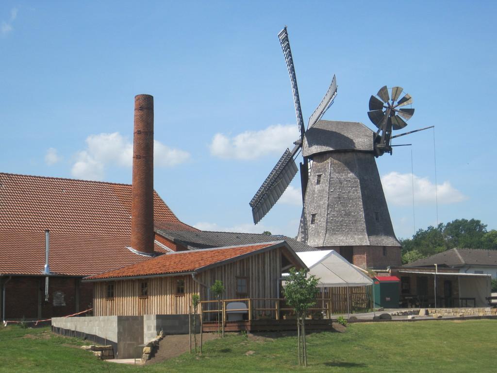 Büsching's Mühle in Petershagen - verbretteter und geschindelter Achtkant