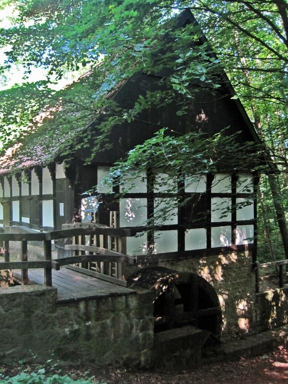mittelschlächtige Hofwassermühle von 1772 im Siekertal/Bad Oeynhausen