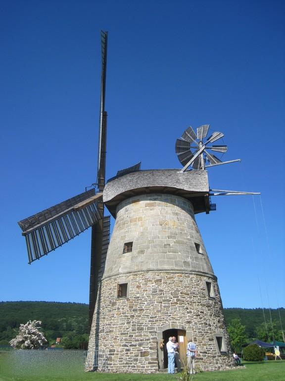 Röckemanns Mühle - Erd-Holländer um 1855 in Eisbergen gebaut