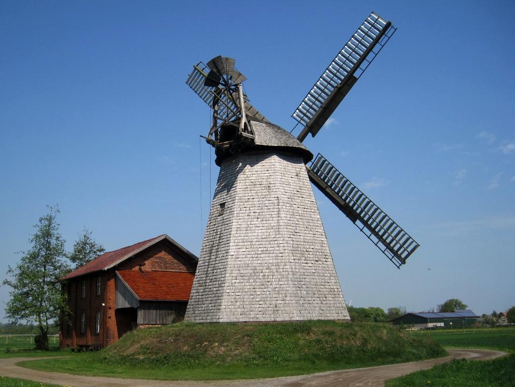 Mühlenanlage in Bierde mit Wall-Holländer von 1802