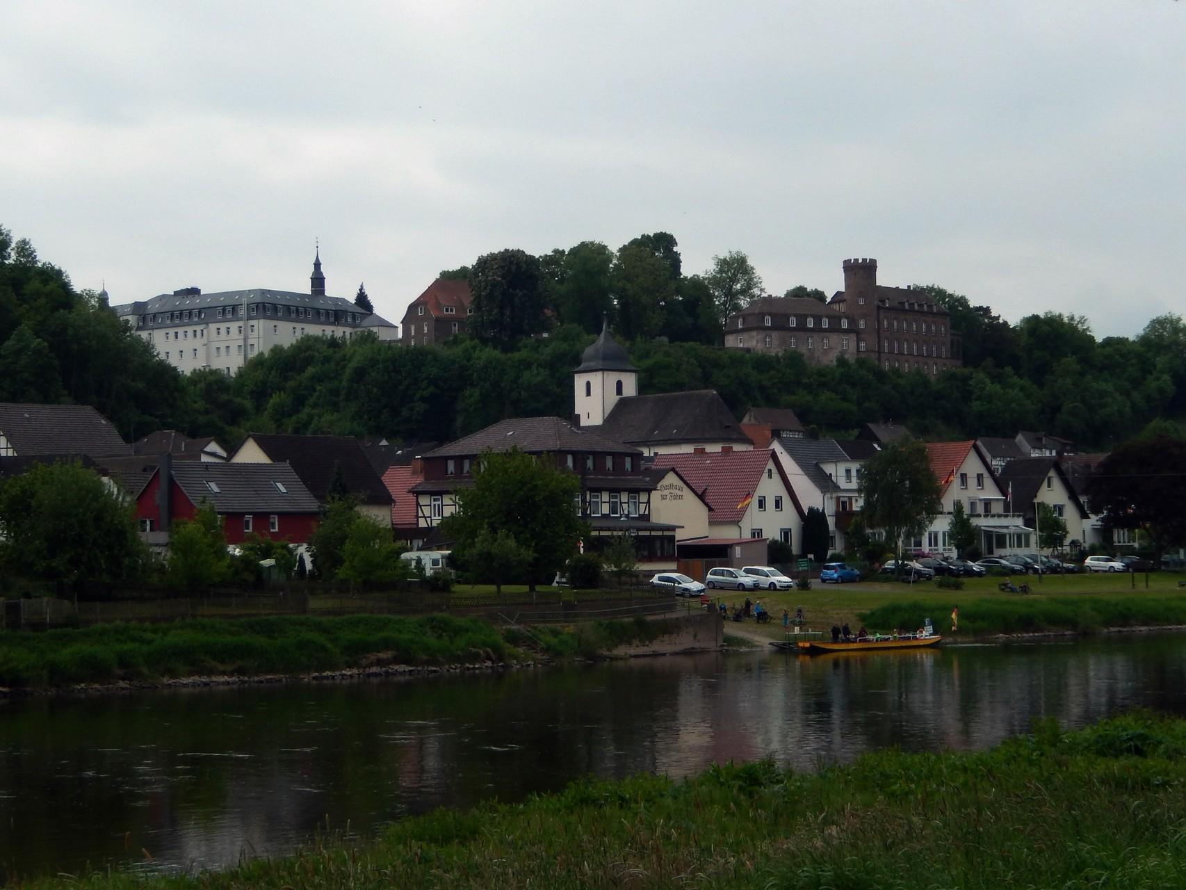 Herstelle - Abtei und Schloss