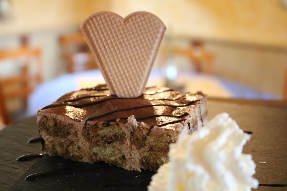 Hausgemachtes Tiramisu mit Schokoladenaroma