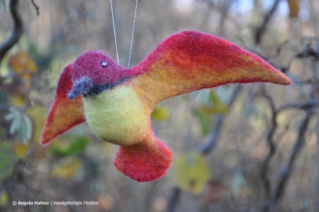 Roter Kolibri aus Filz